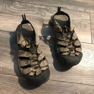 Keen Waterproof Sport Sandals Women's size 9 Nice